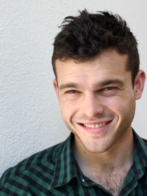 "Alden Ehrenreich to star in ""Beautiful Creatures"""